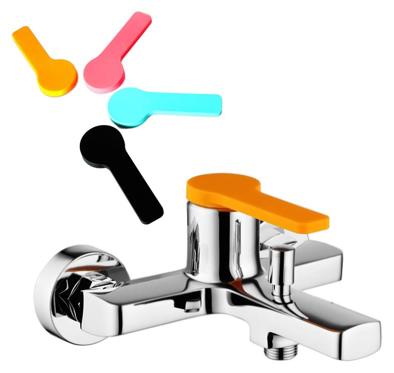 Color Plus COLSBC0i02 хром, в комплекте с черным, мятным, тыквенным и розовым чехламиСмесители<br>Смеситель для ванны Iddis Color Plus COLSBC0i02 без душевого гарнитура, изготовлен из высококачественной латуни, стойкой к коррозии. Четыре цветных силиконовых чехла комплекте, смеситель можно использовать без чехла на ручке. Никель-хромовое покрытие корпуса, превышающее по толщине европейские стандарты, обеспечивает надежную защиту и гарантирует идеальный зеркальный блеск. Силиконовый аэратор Turn Flow представляет собой подвижную сетку, которая позволяет направить поток под нужным углом одним движением пальца и легко очищается. Встроенный ограничитель потока оптимизирует расход воды без потери комфорта. Долговечный керамический картридж Kerox 35 мм, с системой шумопоглощения. Минимальный уровень шума благодаря гладкой внутренней поверхности смесителя, рассекателям в водозапорных механизмах и аэратору. Переключатель ванна/душ фиксируется не зависимо от давления воды. Подвод воды G1/2.<br>