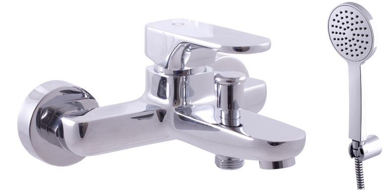 Yukon YU154.5/1 ХромСмесители<br>Rav Slezak Yukon YU154.5/1 смеситель для ванной. В комплектацию входит смеситель для ванной, ручной душ, душевой шланг, держатель, аэратор.<br>