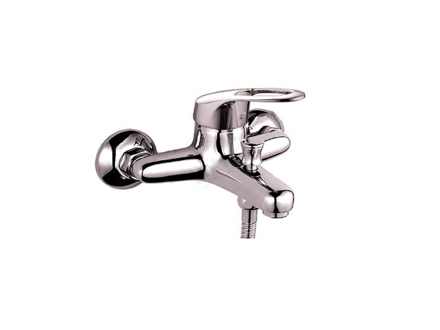 P3029 ХромСмесители<br>Смеситель для ванны с коротким изливом  Potato P3029 c аксессуарами. Картридж керамический 35 мм.<br>