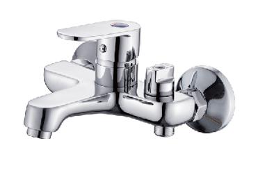 P30220 ХромСмесители<br>Смеситель для ванны с коротким изливом Potato P30220 c аксессуарами. Картридж керамический 35 мм. Цвет хром.<br>