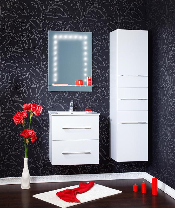 Сиэтл 60 матовое белое сереброМебель для ванной<br>Подвесная тумба под раковину Бриклаер Сиэтл 60 с двумя выдвижными ящиками, с вытянутыми хромированными металлическими ручками белого серебра, выполнена в стиле минимализм. Корпус и фасад выполнены из МДФ, ламинированного пленкой ПВХ белого цвета с перламутром. Тумба проявляет устойчивость к влажному воздуху и длительное время сохраняет свой первоначальный внешний вид.<br>