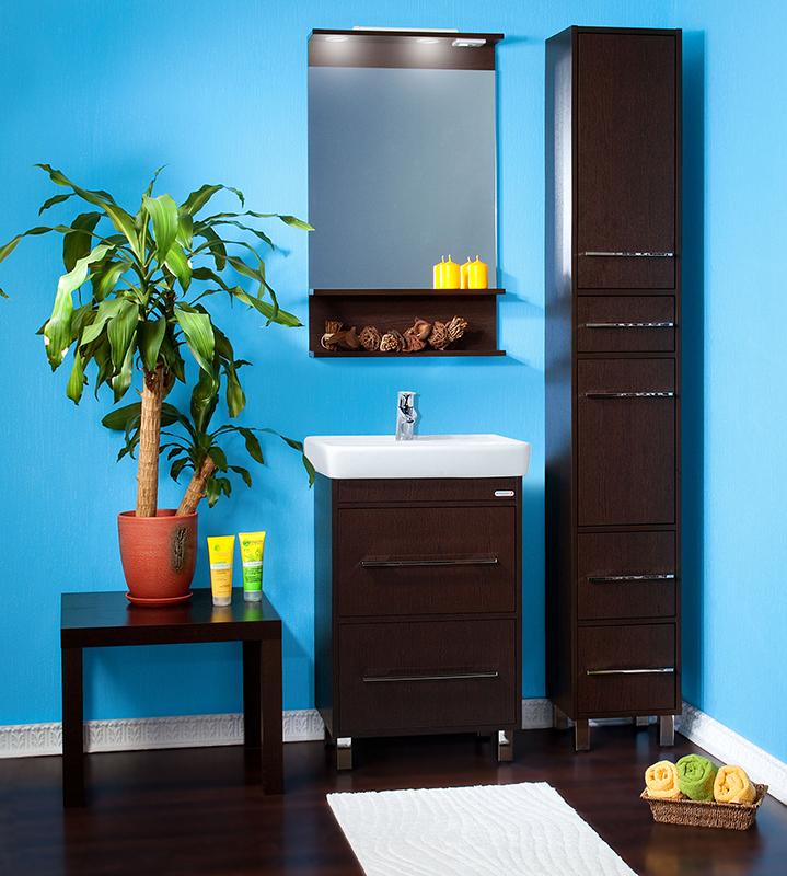 Чили 55 венгеМебель для ванной<br>Тумба под раковину Бриклаер Чили 55 на ножках, с двумя выдвижными ящиками, с вытянутыми хромированными ручками. Выполнена в стиле минимализм. Корпус и фасад выполнены из ЛДСП цвета экзотического темного дерева. Тумба проявляет устойчивость к влажному воздуху и длительное время сохраняет свой первоначальный внешний вид.<br>