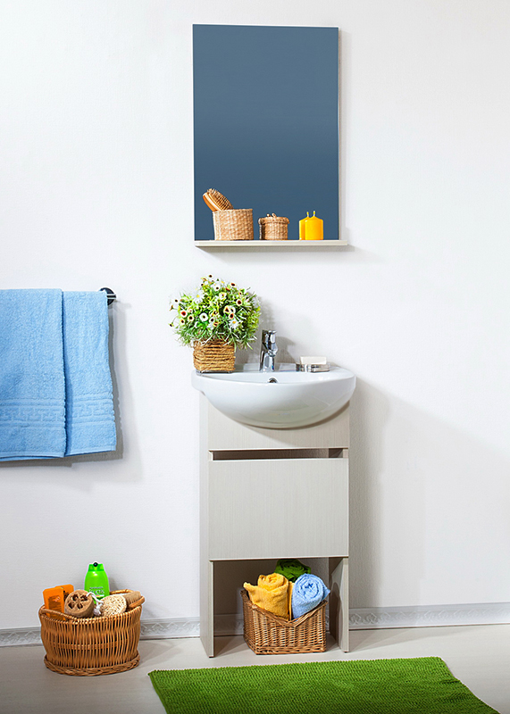 Катюша 50 светлая лиственницаМебель для ванной<br>Тумба под раковину Бриклаер Катюша 50 с одной распашной дверцей. Корпус и фасад выполнены из ЛДСП в светлом, почти белом древесном декоре. Тумба предназначена для использования во влажных помещениях и рассчитана на воздействие с влажным воздухом, но для того, чтобы она служила долго, необходимо исключить прямой залив водой любых её частей, кроме раковины. Цена указана за тумбу. Раковина и все остальное приобретается дополнительно.<br>