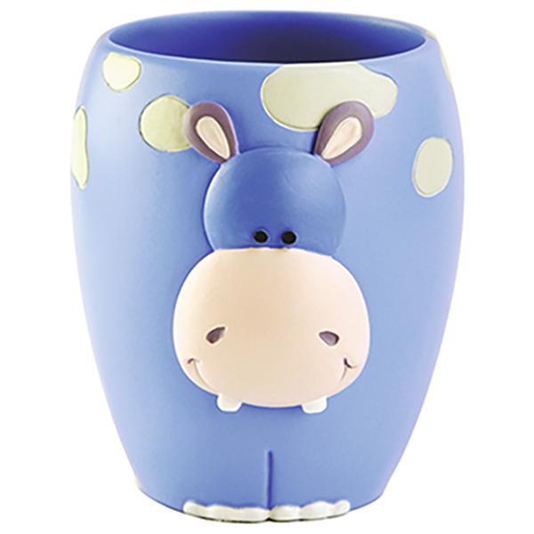 Lippe K-8128 СинийАксессуары для ванной<br>Забавный стакан для зубных щеток Wasser Kraft Lippe K-8128 не оставит равнодушным ни детей, ни взрослых. Стакан оформлен в современном стиле, украшен мордочкой животного и белыми облаками.<br>Размеры: высота: 9,8 см, длина: 8,1 см, ширина: 9,5 см.<br>Материал: полирезин (полистоун) - это высококачественный минерально-полимерный материал, прочный и водонепроницаемый. Изделия из полирезина предназначены для помещений с высокой влажностью и резкими перепадами температур.<br>Изделие отшлифовано и окрашено вручную.<br>