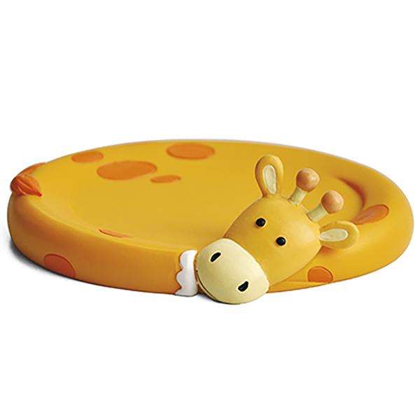 Lippe K-8129 ОранжевыйАксессуары для ванной<br>Забавная мыльница Wasser Kraft Lippe K-8129 станет ярким аксессуаром в вашей ванной комнате. Мыльница выполнена в форме симпатичного жирафа, который обязательно поднимет вам настроение.<br>Размеры: высота: 3,6 см, длина: 12 см, ширина: 9,8 см.<br>Материал: полирезин (полистоун) - это высококачественный минерально-полимерный материал, прочный и водонепроницаемый. Изделия из полирезина предназначены для помещений с высокой влажностью и резкими перепадами температур.<br>Изделие отшлифовано и окрашено вручную.<br>