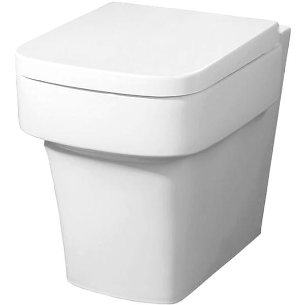 Janice BB124CB без сиденьяУнитазы<br> Унитаз BelBagno Janice P trap BB124CB напольный в стиле минимализм выглядит эффектно и свежо, обеспечит простор и функциональность ванной комнаты.<br> Горизонтальный выпуск P trap.<br>Слив по всему периметру чаши.<br>Стойкость цвета на долгие годы.<br>Гладкая поверхность.<br> В комплекте поставки чаша унитаза.<br>