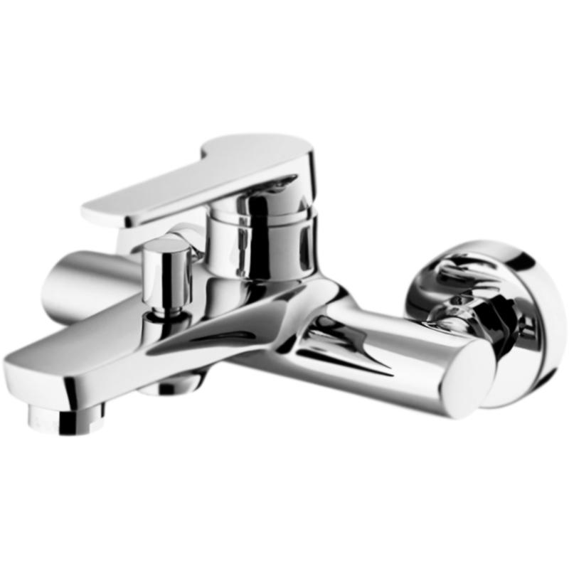 Loren LOR-VASM-CRM ХромСмесители<br>Настенный смеситель для ванны BelBagno Loren LOR-VASM-CRM однорычажный, с аэратором, монтируемый в два отверстия.<br>Покрытие: глянцевый хром.<br>Материал: латунь.<br>Фиксированный излив: 18,3 см.<br>Керамический картридж.<br>Переключатель потоков (девиатор).<br>Стандарт подключения: G1/2.<br>Подсоединение шланга: нижнее.<br>Расстояние между центрами креплений: 15±1,5 см.<br>Рабочий интервал давления: 0,5-6 Атм.<br><br>В комплекте поставки:<br>смеситель;<br>комплект креплений.<br><br>
