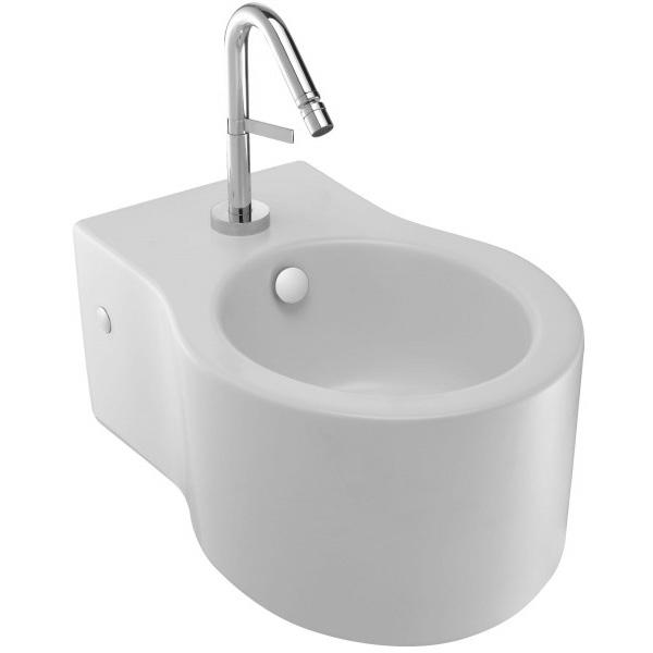 Viragio E4774-00 подвесное БелоеБиде<br>Подвесное биде Jacob Delafon Viragio E4774-00.<br>Универсальный и лаконичный дизайн биде дополнит большинство ванных комнат в современном стиле.<br>Биде изготовлено из санфарфора и покрыто качественной глазурью. Гладкость и отсутствие пор делает уборку проще: грязь не скапливается на поверхности чаши и легко смывается чистящими средствами.<br>Комфортная высота чаши: 41 см.<br>С переливным отверстием и хромированной заглушкой.<br>Одно отверстие под смеситель.<br>Подвесной монтаж, скрытые крепежи.<br>В комплекте поставки: чаша биде, заглушка для перелива E4061.<br>