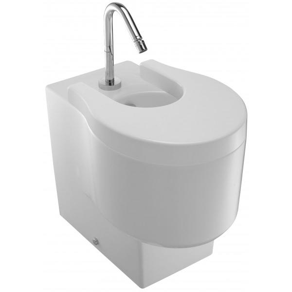 Viragio E4794-00 БелоеБиде<br>Биде Jacob Delafon Viragio E4794-00 в комплекте с сиденьем Soft Close.<br>Дизайн биде сочетает в себе обтекаемые формы и прямые линии. Оно великолепно дополнит большинство современных ванных комнат и санузлов.<br>Биде изготовлено из санфарфора и покрыто качественной глазурью. Гладкость и отсутствие пор делает уборку проще: грязь не скапливается на поверхности чаши и легко смывается чистящими средствами.<br>Комфортная высота чаши: 41 см.<br>С переливным отверстием.<br>Одно отверстие под смеситель.<br>Белое сиденье с микролифтом: механизмом плавного опускания.<br>Металлические петли.<br>В комплекте поставки: чаша биде, крышка-сиденье с микролифтом 4770К, заглушка для перелива E4061.<br>
