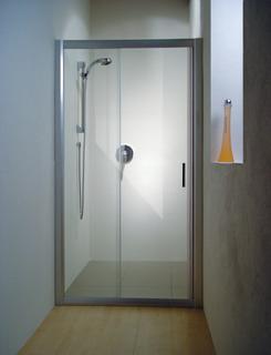 Rapier NRDP2-110 сатин+Грейп LДушевые ограждения<br>Душевая дверь в нишу Ravak Rapier NRDP2 110 двухсекционная, раздвижная. Состоит из одной ровной неподвижной и одной ровной подвижной частей. Витраж из безопасного стекла толщиной 6 мм.<br>