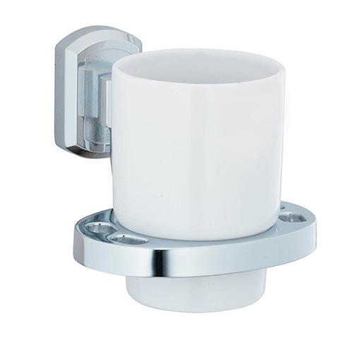 Oder K-3028C ХромАксессуары для ванной<br>Wasser Kraft Oder K-3028C подстаканник керамический. Цвет: Хром. Для изготовления подстаканника используется металл; Хромоникелевое покрытие (устойчиво к потускнению, легко очищается и придает аксессуарам зеркальный блеск); Уплотнительные пластиковые кольца (необходимы для плотного и бесшумного соединения, металла и стекла); Белоснежная керамика.<br>