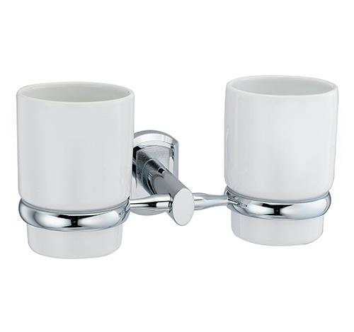 Oder K-3028DC ХромАксессуары для ванной<br>Wasser Kraft Oder K-3028DС подстаканник двойной керамический. Цвет: Хром. Для изготовления подстаканника используется металл; Хромоникелевое покрытие (устойчиво к потускнению, легко очищается и придает аксессуарам зеркальный блеск); Уплотнительные пластиковые кольца (необходимы для плотного и бесшумного соединения, металла и стекла); Белоснежная керамика.<br>