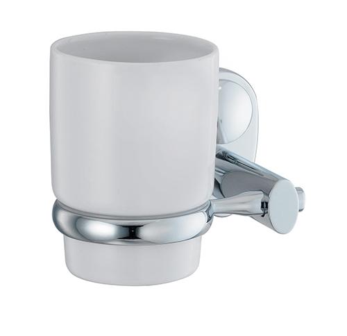 Main K-9228C ХромАксессуары для ванной<br>Wasser Kraft Main К-9228С подстаканник керамический. Цвет: Хром. Для изготовления подстаканника используется металл. Хромоникелевое покрытие, устойчивое к потускнению, легко очищается и придает аксессуарам зеркальный блеск. Уплотнительные пластиковые кольца из металла и стекла предназначены для надежного соединения. Белоснежная керамика.<br>