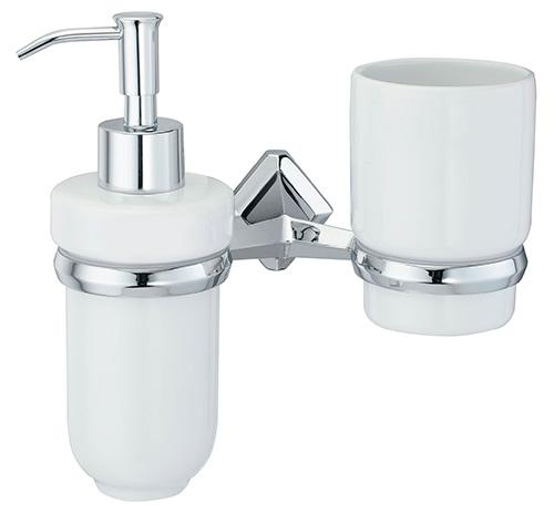 Aller K-1189C ХромАксессуары для ванной<br>Wasser Kraft Aller K-1189С держатель стакана и дозатора. Цвет: Хром. Для изготовления держателя используется металл. Хромоникелевое покрытие, устойчивое к потускнению, легко очищается и придает аксессуарам зеркальный блеск. Уплотнительные пластиковые кольца из металла и стекла предназначены для надежного соединения. Белоснежная керамика.<br>
