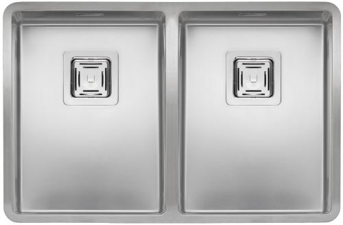Texas 30x40+30x40  стальнаяКухонные мойки<br>Reginox Texas 30x40+30x40  цельнотянутая мойка из нержавеющей стали с двумя раковинами, с радиусом углов чаши 10 мм.<br>Поверхность мойки: полировка, тип установки: интегрированная, перелив расположен в чаше.<br>Диаметр сливного отверстия: 3,5 (OKG), длина каждой чаши: 303 мм., ширина каждой чаши: 403 мм., глубина каждой чаши: 180 мм. <br>Толщина стали 1,2 мм.<br>Ширина шкафа: 800 мм.<br>