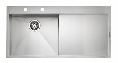 Ontario 10 стальнаяКухонные мойки<br>Reginox Ontario 10 кухонная мойка из нержавеющей стали. Выполнена методом сверхточной лазерной сварки.<br>Поверхность мойки: полировка, тип установки: интегрированная, перелив расположен в чаше.<br>Мойка с отверстием под смеситель, диаметр сливного отверстия: 3,5 (OKG), длина чаши: 400 мм., ширина чаши: 405 мм., глубина чаши: 190 мм.<br>Толщина стали 1,2 мм.<br>Ширина шкафа: 450 мм.<br>