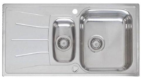Diplomat 15 Lux полированнаяКухонные мойки<br>Reginox Diplomat 15 Lux врезная мойка из нержавеющей стали с двумя чашами.<br>Поверхность полированная. В комплекте металлический коландер.<br>Подходит для шкафа шириной 600 мм.<br>С отверстием под смеситель.<br>Сливное отверстие &amp;#216; 3,5(OKG), перелив в чаше, с системой дистанционного управления сливным клапаном.<br>Габаритные размеры: 950 x 500 мм.<br>Размеры выреза под мойку: 930 x 480 мм.<br>Размеры чаш: 360 x 420 мм/ 160 x 300 мм.<br>Глубина чаши: 180 / 130 мм.<br>Толщина стали: 1,0 мм.<br>