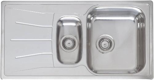 Diplomat 15 Linen матовое рифлениеКухонные мойки<br>Reginox Diplomat 15 Linen врезная мойка из нержавеющей стали с двумя чашами.<br>Поверхность антиграфик (матовое рифление). В комплекте пластиковый коландер.<br>Подходит для шкафа шириной 600 мм.<br>Без  отверстия под смеситель.<br>Сливное отверстие &amp;#216; 3,5(OKG), перелив в чаше.<br>Габаритные размеры: 950 x 500 мм.<br>Размеры выреза под мойку: 930 x 480 мм.<br>Размеры чаш: 360 x 420 мм/ 160 x 300 мм.<br>Глубина чаши: 180 / 130 мм.<br>Толщина стали: 1,0 мм.<br>