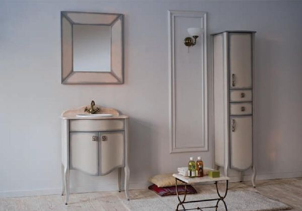 Royal Комфорт A(М) 140 напольная 80A (M)Мебель для ванной<br>Аллигатор Royal Комфорт 80A (М). Цвет 140 черная патина, покрытие трёхслойное влагостойкое, тонированный лак. Столешница из черного гранита, мрамора крема нова или имперадор лайт, фаянсовая раковина Roca или Gustavsberg. Петли с доводчиками. Размер тумбы: 800х555х850 мм. В комплект поставки входят: тумба, раковина, столешница.<br>