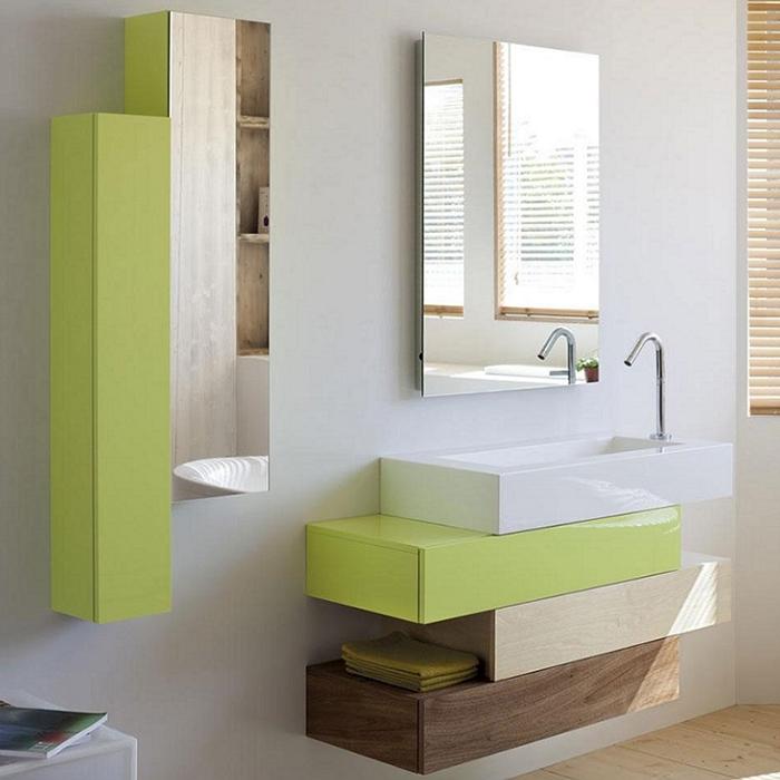 Pacific 110 подвесная 3 ящика Анисовый лакМебель для ванной<br>Подвесная тумба под раковину Jacob Delafon Pacific 110 EB782-A21 с тремя выдвижными ящиками.<br>Необычная форма тумбы придаст оригинальности вашей ванной комнате. Дизайн модели сочетается с ее удобством и функциональностью.<br>Изготовлена из МДФ, покрыта полиуретановым лаком высокого качества. Декоративная отделка шпоном. Он защищает мебель от воды и механических повреждений, прост в уходе. Материалы устойчивы к выцветанию и предназначены для использования в помещениях с повышенной влажностью.<br>Три выдвижных ящика со встроенными доводчиками.<br>Мягкий и плавный ход ящиков с функцией Soft Close. Открытие по нажатию.<br>Цвет: анисовый лак, белая береза, французский орех.<br>Монтаж: подвесной.<br>В комплекте поставки: тумба под раковину.<br>