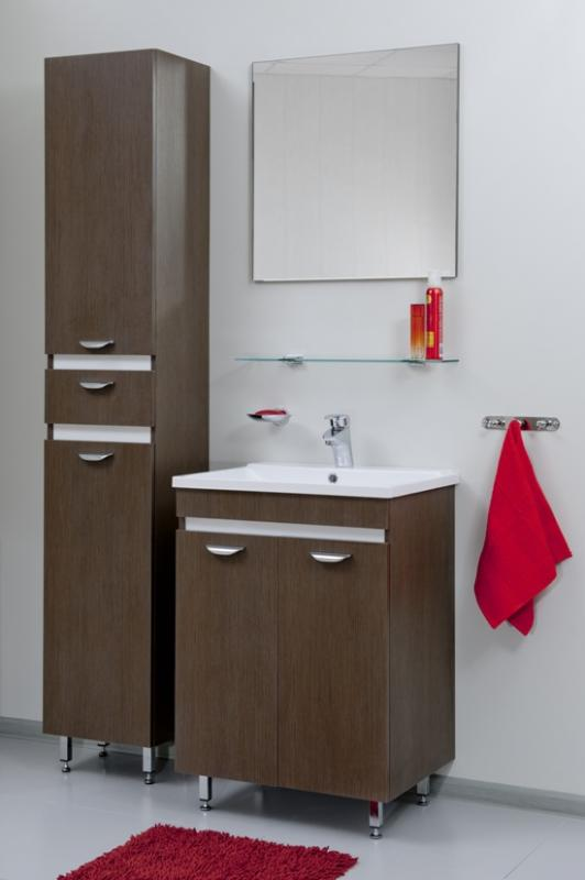 Massima 60 шпон кремовыйМебель для ванной<br>Цена указана за тумбочку с раковиной (шпон кремовый). Модуль с раковиной и распашным фасадом. Низ модуля - просторная напольная тумба, снабженная австрийской и немецкой фурнитурой Blum и Hettich, с полкой из ЛДСП. Верхняя часть - раковина прямоугольной формы из искусственного камня с системой защиты от перелива. Корпус тумбы установлен на регулируемых опорах «хром»<br>