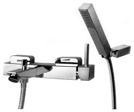 Pbox 9402 CR (хром)Смесители<br>Смеситель Bugnatese Pbox 9402 для ванны и душа. Размеры: длинна излива 149 мм, ширина смесителя 254 мм. Цвет хром.<br>