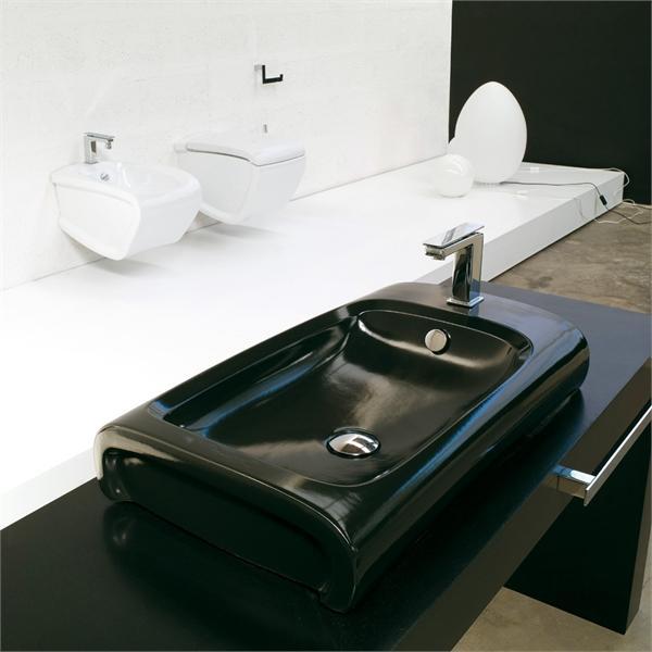 Hi-Line HI 17 БелаяРаковины<br>Hidra Ceramica Hi-Line HI 17. Раковина на столешницу с отверстием под смеситель и перелив, цвет: белый. Дополнительно можно приобрести сифон.<br>