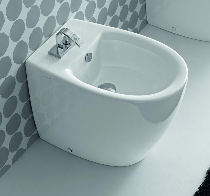 Loft LO 14 ЧерноеБиде<br>Hidra Ceramica Loft LO 14. Напольное биде с одним отверстием под смеситель, цвет: черный. Комплект креплений.<br>