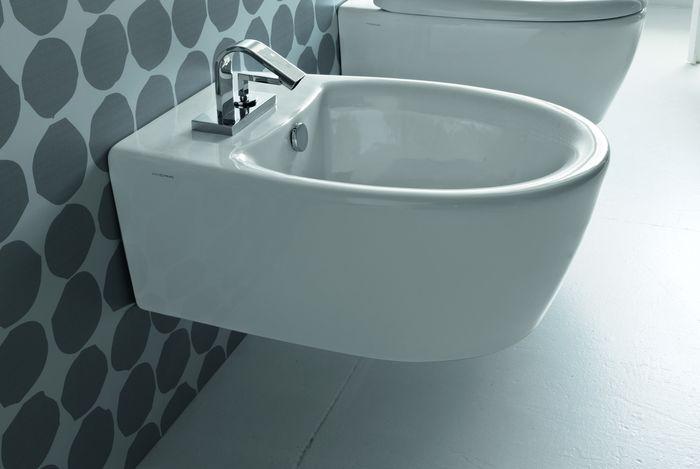 Loft LOW 14 БелоеБиде<br>Hidra Ceramica Loft LOW 14. Подвесное биде с одним отверстием под смеситель, цвет: белый. Комплект креплений включен в стоимость, сифон для биде приобретается отдельно.<br>