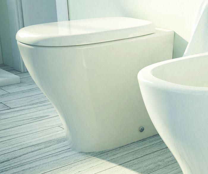 My M 20 БелыйУнитазы<br>Hidra Ceramica My M 20. Унитаз напольный приставной, цвет: белый. Унитаз возможно докомплектовать стульчаком, комплектом креплений и сливом.<br>