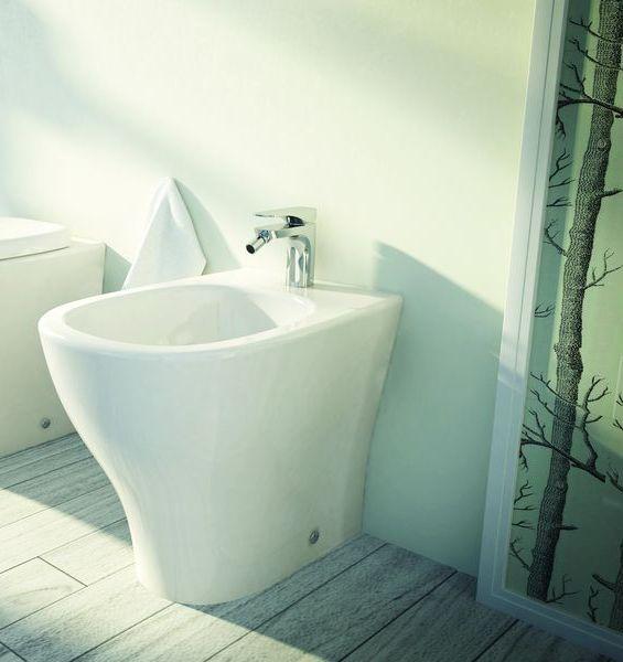 My M 24 БелоеБиде<br>Hidra Ceramica My M 24. Биде напольное приставное, предусмотренно место под смеситель, цвет: белый. Дополнительно приобретается комплект креплений.<br>