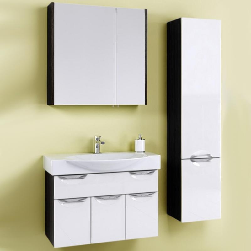 Плазма 76 подвесная Белый/венге магияМебель для ванной<br>Подвесная тумба под раковину Aqwella Плазма 76 Pl.01.07/VM с тремя распашными дверцами и с одним выдвижными ящиком, для использования в ванных комнатах с повышенной влажностью.<br>Гармония, удобство и функциональность.<br>Комбинированный цвет: белый и венге магия.<br>Фасад: МДФ (FINSA) покрытый четырьмя слоями глянца и лака.<br>Корпус: ламинированная ДСП (FINSA).<br>Лазерное нанесение кромки: монолитность всех деталей.<br>Экологически чистые материалы, сертификат качества: ISO 9001:2000.<br>Фурнитура Blum: надежность и долговечность.<br>Монтаж: подвесной, крепление к стене. <br>Отделения:<br>верхнее: один выдвижной ящик;<br>нижнее: три распашные дверцы.<br>Скрытые направляющие плавного закрывания (Blum) для ящика.<br>Механизм доводчиков плавного закрывания (Blum) для дверок.<br>В комплекте поставки:<br>тумба.<br>