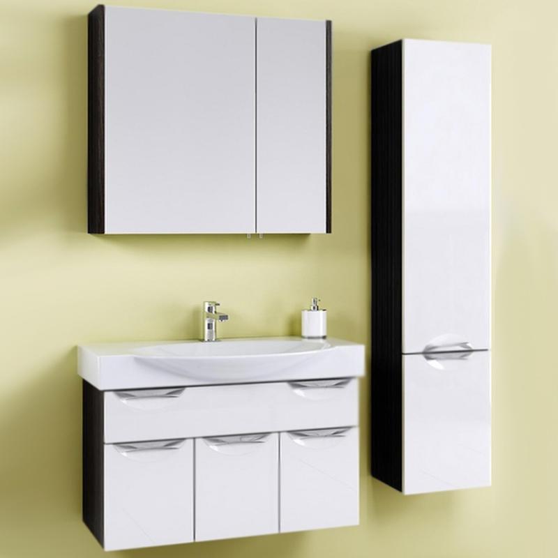 Плазма 85 подвесная Белый/венге магияМебель для ванной<br>Подвесная тумба под раковину Aqwella Плазма 85 Pl.01.08/VM с тремя распашными дверцами и с одним выдвижными ящиком, для использования в ванных комнатах с повышенной влажностью.<br>Гармония, удобство и функциональность.<br>Комбинированный цвет: белый и венге магия.<br>Фасад: МДФ (FINSA) покрытый четырьмя слоями глянца и лака.<br>Корпус: ламинированная ДСП (FINSA).<br>Лазерное нанесение кромки: монолитность всех деталей.<br>Экологически чистые материалы, сертификат качества: ISO 9001:2000.<br>Фурнитура Blum: надежность и долговечность.<br>Монтаж: подвесной, крепление к стене. <br>Отделения:<br>верхнее: один выдвижной ящик;<br>нижнее: три распашные дверцы.<br>Скрытые направляющие плавного закрывания (Blum) для ящика.<br>Механизм доводчиков плавного закрывания (Blum) для дверок.<br>В комплекте поставки:<br>тумба.<br>