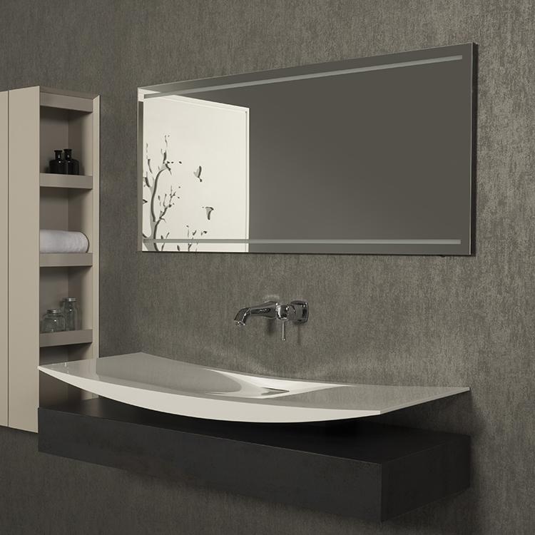 Santino 130 ЧернаяМебель для ванной<br>Тумба с раковиной Kolpa San Santino 130 подвесная.<br>Изогнутая накладная раковина, установленная на тумбу, создает удивительный эффект: кажется, будто раковина парит в воздухе. В сочетании с чистыми и изящными линиями, изделие преобразит интерьер вашей ванной комнаты. Безупречное качество подтверждено европейским сертификатом.<br>Тумба:<br>Габариты: 130x50x32 см. <br>Каркас и фасад изготовлены из ДСП с ламинированным покрытием. <br>Гладкая матовая поверхность. <br>Влагостойкие клеи и угловые ленты. <br>Один выдвижной ящик с пятью отделениями, выполненный из древесины. <br>Мягкое открытие и закрытие ящика благодаря доводчикам европейского качества. <br>Цвет: черный дуб.<br>Раковина:<br>Материал: Kerrock. Это искусственный камень, в состав которого входят гидрооксид и полимерный соединитель базы акрила. Материал гипоаллергенен, отличается прочностью и имеет гладкую поверхность без пор, что препятствует размножению бактерий и облегчает уход за раковиной. Он огнеупорный и долговечный, устойчив к химикатам и механическим повреждениям.<br>Со сливом-переливом. <br>Цвет: белый.<br>В комплекте поставки: тумба, раковина.<br>