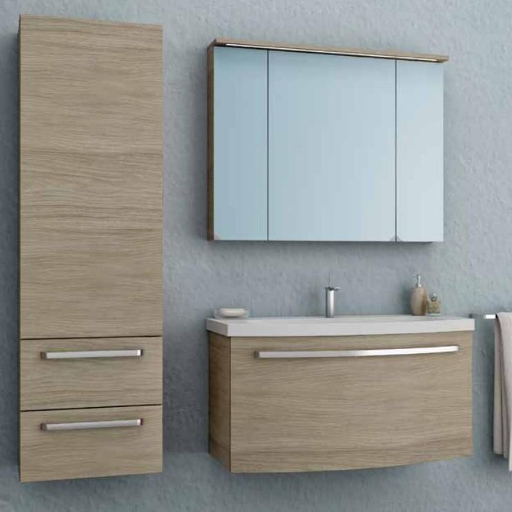 Adele 90 ДубМебель для ванной<br>Тумба с раковиной Kolpa San Adele 90 подвесная.<br>Безупречная и лаконичная модель с двумя выдвижными ящиками и ручками цвета хром. Прекрасно впишется в современный интерьер ванной комнаты. <br>Тумба:<br>Габариты: 91x50x50 см. <br>Каркас из ДСП с ламинированным покрытием.<br>Фасад из МДФ с покрытием 3D-пленкой. <br>Гладкая глянцевая поверхность. <br>Влагостойкие клеи и угловые ленты. <br>Два выдвижных ящика. <br>Ручки цвета хром.<br>Мягкое открытие и закрытие ящика благодаря доводчикам европейского качества. <br>Цвет: дуб.<br>Раковина:<br>Материал: литьевой мрамор. <br>С отверстием под смеситель.<br>Цвет: белый.<br>В комплекте поставки: тумба, раковина.<br>
