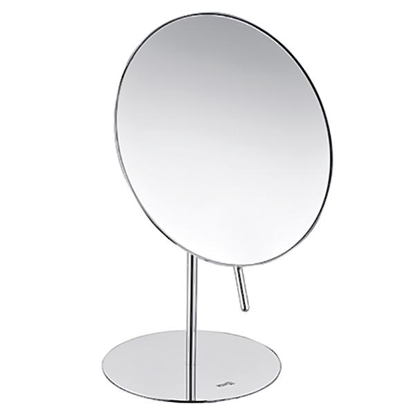 K-1002 с увеличением ХромАксессуары для ванной<br>Одностороннее настольное косметическое зеркало WasserKRAFT K-1002.<br>Изготовлено из нержавеющей стали с хромоникелевым покрытием. Уплотнительные пластиковые кольца предотвращают расшатывание деталей.<br>Особенности:<br>Трехкратное увеличение.<br>Вращение зеркала на 360 градусов.<br>Наклон регулируется при помощи ручки. Благодаря этому на поверхности зеркала не остаются отпечатки пальцев.<br>Противоскользящее основание обеспечивает большую устойчивость зеркала, а также защищает поверхность стола от царапин.<br>
