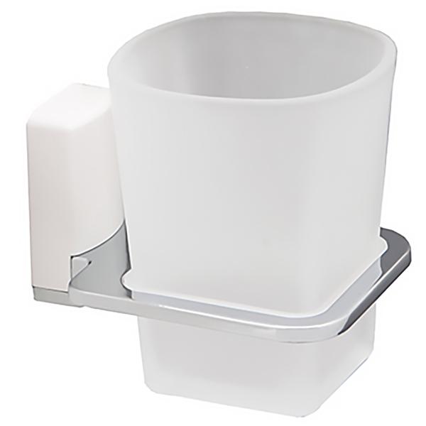 Leine К-5028WHITE ХромАксессуары для ванной<br>Стакан для зубных щеток WasserKRAFT Leine К-5028WHITE с настенным креплением.<br>Универсальный и лаконичный дизайн изделия впишется в любой интерьер ванной комнаты.<br>Стакан изготовлен из матового стекла. Материал держателя - металл с хромоникелевым покрытием, пластик.<br>Цвет: хром, белый.<br>