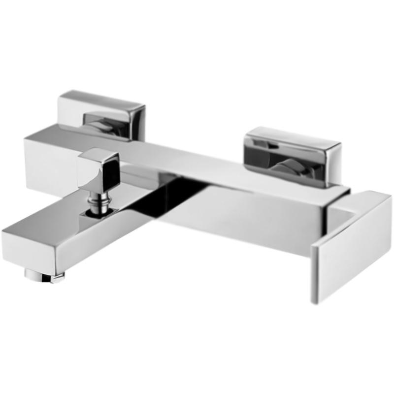 Magna MAG-VASM-CRM ХромСмесители<br>Настенный смеситель для ванны BelBagno Magna MAG-VASM-CRM однорычажный, с аэратором, монтируемый в два отверстия.<br><br>Покрытие: глянцевый хром.<br>Материал: высококачественная латунь.<br>Фиксированный излив: L 16,86 см.<br>Удобный угол наклона аэратора.<br>Механизм: керамический картридж.<br>Переключатель потоков: душ/излив.<br>Подсоединение шланга: нижнее.<br>Стандарт подключения: G1/2.<br>Расстояние между центрами креплений: 15±1,5 см.<br>Рабочий интервал давления: 0,5-6 Атм.<br><br><br>В комплекте поставки:<br>смеситель;<br>комплект креплений.<br><br>