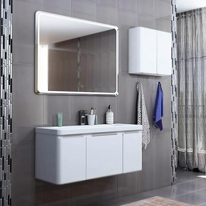 Шерилл 105 подвесная БелаяМебель для ванной<br><br>Подвесная тумба под раковину Акватон Шерилл 105 1A206301SH010 белая, с глянцевой поверхностью, с двумя распашными дверцами, с одним двойным выдвижным ящиком. Для использования в ванных комнатах с повышенной влажностью.<br><br><br>Плавные линии каждого элемента делают коллекцию легкой и воздушной.<br>Скругленные углы и ручки создают безопасность для детей.<br>Продуманный функционал и удобство.<br>Материал: высококачественный МДФ.<br>Дополнительная жесткость: двойной корпус.<br>Покрытие: особая технология, высокоглянцевая эмаль.<br>Отделка внутренних элементов: декоративные материалы цвета лен.<br>Монтаж: подвесной, крепление к стене на двух навесах.<br>Навесы Camar: надежность, вертикальная и горизонтальная регулировка.<br>Безопасность: система для предотвращения случайного срыва со стены.<br>Грузоподъемность: 120 кг.<br>Предусмотрено нижнее подключение труб водоснабжения и канализации.<br><br><br>Отделения: <br>левое/правое: распашная дверца, регулируемая по высоте полка из МДФ.<br>центральное: внешний и внутренний выдвижные ящики.<br>Система push-to-open: внутренний ящик открывается легким нажатием.<br>Ящики установлены на направляющие скрытого монтажа Hettich.<br>Петли дверок Blum: долговечность, доводчики плавного закрывания.<br><br><br>В комплекте поставки:<br>тумба.<br><br>