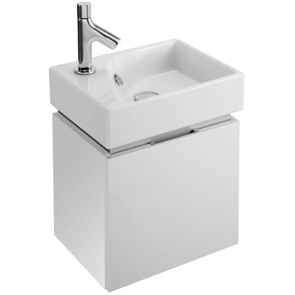 Rythmik 39 подвесная БелаяМебель для ванной<br>Тумба под две раковины Jacob Delafon Rythmik 39 EB1036-G1C подвесная.<br>Резкие, прямые линии тумбы придадут интерьеру ванной комнаты особый шик.<br>Изготовлена из МДФ/ДСП с применением меламина - специальной декоративной пленки. Меламин устойчив к механическим повреждениям и истиранию, не боится влаги.<br>Покрытие: лак.<br>Гладкая глянцевая поверхность.<br>Одна откидная дверка с доводчиками и функцией мягкого закрывания.<br>Цвет тумбы: белый глянец.<br>Монтаж: подвесная.<br>Габариты: 38,6 x 29 x 36,9 см.<br>В комплекте поставки: тумба под раковину.<br>