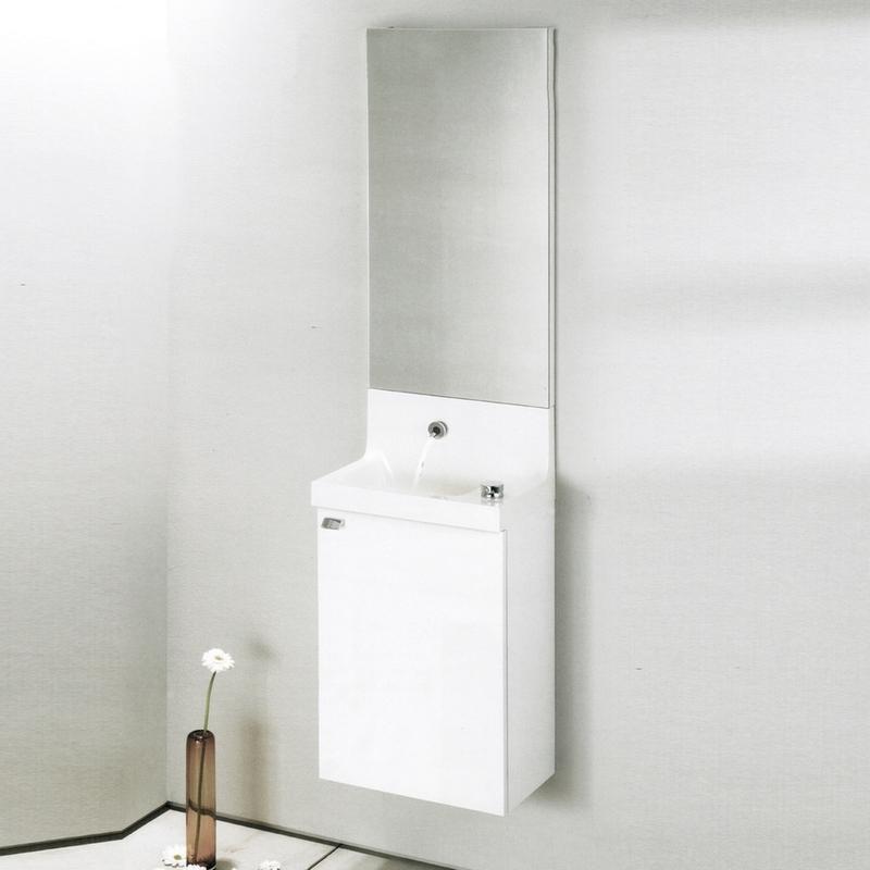Pop Laminar 40 подвесная Белый блестящий лакМебель для ванной<br>Подвесная тумба под раковину Jacob Delafon Pop Laminar 40 EB286-G1C.<br><br><br>Тумба коллекции Pop Laminar это практичное и компактное решение для меблировки небольших ванных комнат. Она сочетает в себе практичность и функциональность. Мебель этой серии отлично впишется в интерьер ванной комнаты в современном дизайне.<br><br><br><br>Габариты изделия: 40x59,1x24 см.<br>1 распашная дверца с механизмом плавного закрытия.<br>Петли расположены справа.<br>Материал корпуса: влагостойкая ЛДСП.<br>Материал фасада: влагостойкая МДФ.<br>Монтаж настенный.<br><br><br>Объем поставки: тумба под умывальник, крепления.<br>