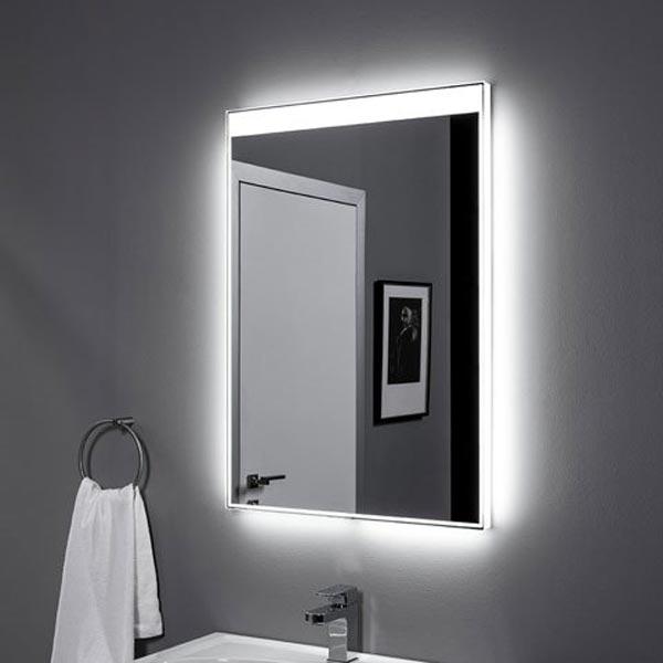 Палермо 60 с подсветкой с инфракрасным управлениемМебель для ванной<br>Зеркало Aquanet Палермо 60х85 00196641 с Led-подсветкой и инфракрасным датчиком.<br>Зеркало Акванет Palermo имеет универсальную установку и органично впишется в любой интерьер. Тонкая подсветка с трех сторон по периметру зеркала и с одной стороны - широкая светящаяся рамка, расположение которой можно варьировать, поменяв положение зеркала.<br>Материал изделия обладает рядом существенных достоинств и преимуществ: экологически чистый продукт без содержания меди и свинца, непревзойденная устойчивость к коррозии и старению (срок службы зеркала в 3 раза дольше, чем для обычных зеркал), повышенная устойчивость к грубым чистящим средствам (в 7 раз устойчивее обычного зеркала).<br>Встроенные светильники безопасны и обладают низким энергопотреблением (светодиоды запитаны напряжением 12В), помимо этого защищены зеркальным полотном и имеют чувствительный инфракрасный датчик. Чтобы включить светильник, нужно поднести к нему руку.<br>Объем поставки:<br>Зеркало<br>Инфракрасный выключатель<br>