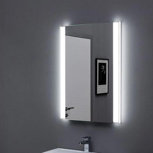 Форли 90 с подсветкой с инфракрасным управлениемМебель для ванной<br>Зеркало Aquanet Форли 90х85 00196660 с Led-подсветкой и инфракрасным датчиком.<br>Покрытие зеркала Акванет Forli - зеркальная амальгама высокого качества. Два участка прямоугольной формы с боковых сторон зеркала покрытия не имеют.<br>Световые блоки расположены с двух сторон от зеркального полотна. Свет проходит изнутри через боковые стороны зеркала и участки, не имеющие амальгамового покрытия, придавая конструкции легкость и воздушность. Свет неяркий, приглушенный.<br>Выключатель инфракрасный - чтобы включить светильник, нужно поднести к нему руку.<br>Объем поставки:<br>Зеркало<br>Инфракрасный выключатель<br><br>