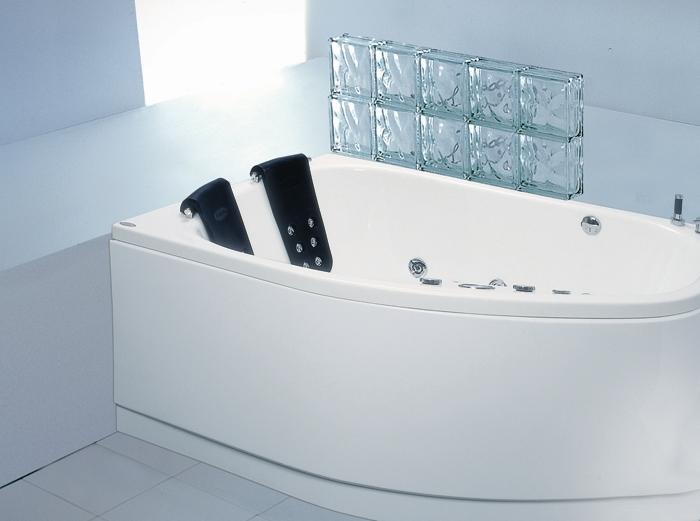"""Mira Система 4: Maxi Гидро-аэромассажВанны<br>Victory Spa Mira NVS.700.910.04.1/NVS.701.910.04.1 акриловая ванна белого цвета. Стандартная комплектация: электронная система управления; ЖК-дисплей; программа полуавтоматической дезинфекции; хромотерапия (подводная цветовая подсветка); таймер с установкой желаемого времени принятия процедур (до 30мин.); проточный водонагреватель, поддерживающий температуру воды, с защитой от """"сухого пуска""""; пульт дистанционного управления; радиo FM / MP3 плеер; часы; датчик температуры воды; датчик уровня воды; подголовники. Гидромассаж: ротативные форсунки для спины; ротативные форсунки для массаж ступней ног; боковые форсунки с возможностью направления струи; возможность полного закрытия боковых форсунок; независимая регулировка подачи воздуха в гидромассажные форсунки; турбомассаж (принудительная подача воздуха в форсунки от воздушного компрессора); импульсный режим гидромассажа (H-MODE); датчик защиты от запуска без воды; дренаж гидромассажной системы после принятия ванны; отдельный регулятор воздуха гидромассажных форсунок спины. Аэромассаж: плавная регулировка интенсивности воздушного потока; компрессор со встроенным нагревателем воздуха; импульсный режим аэромассажа (В-MODE); дренаж аэромассажной системы после принятия ванны; автоматическая продувка и просушка аэромассажной системы после принятия ванны. Дополнительно можно приобрести ароматерапию; озонатор; панели; слив-перелив с наполнением.<br>"""