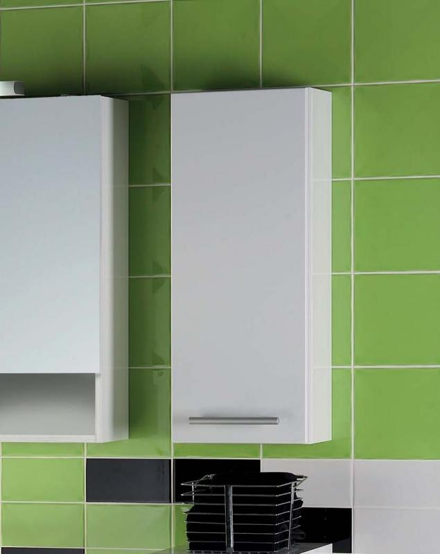 Avon B 30.07     Черный глянец/Светлый орехМебель для ванной<br>Gorenje Avon B 30.07 подвесной шкаф. Шкаф с распашной дверцей и двумя полочками внутри, цвет фасада черный глянец, корпуса светлый орех.<br>