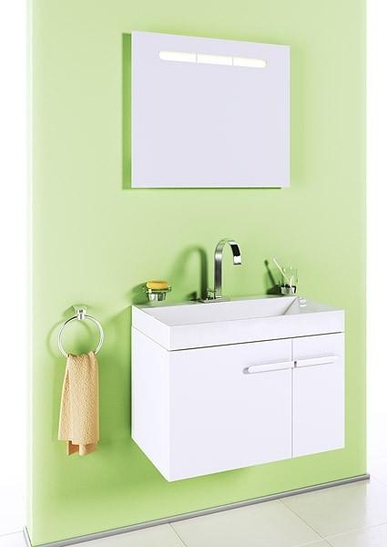 Европа 70 ЧёрнаяМебель для ванной<br>Тумба Aqwella Европа 70  в комплекте с раковиной. Модель имеет один ящик полного выдвижения с системой плавного закрывания австрийской фирмы BLUM и<br>распашную дверь. Цвет чёрный глянец. Артикул Eu.01.07/BLK. Фасадные и боковые части мебели изготовлены из высококачественного испанского МДФ концерна FINSA. На все элементы установлены системы плавного закрывания. Модель дополняется стеклянной полкой с держателем артикул Eu.06.07 и панелью Европа  с зеркалом и подсветкой артикул Eu.02.07.<br>