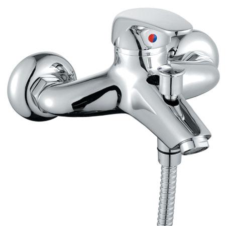 Cool 3.211B.7.004.261.1 ХромСмесители<br>Jika Cool 3.211B.7.004.261.1 смеситель для ванны. Смеситель с автоматическим переключателем ванна/душ, в комплекте с трех функциональной душевой лейкой (80 см), душевым шлангом (длина 1,5 м.) и держателем, керамический картридж Sedal диаметром 40 мм, металлический аэратор диаметром 24 мм, цвет: хром.<br>