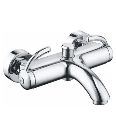 Almond AL2810 ХромСмесители<br>Edelform Almond смеситель для ванны, в комплектацию входит: эксцентрики, отражатели, армированный гибкий шланг 1,5 м, душевая лейка поворотный держатель лейки, крепёж.<br>