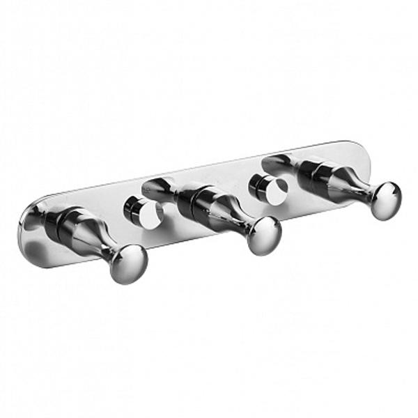 001SM30M41 ХромАксессуары для ванной<br>Вешалка для полотенец Milardo 001SM30M41 с тремя крючками.<br>Выполнена в лаконичном современном стиле. Станет изящным дополнением любой ванной комнаты за счет плавных линий и закругленных углов элементов конструкции.<br>Держатель для полотенец изготовлен из прочного сплава металлов с никель-хромовым покрытием, которое придает изделиям высокую влаго- и износостойкость, что обеспечивает их долгий срок службы.<br>Монтаж: скрытый заглушками - шурупами к стене или двери, не требует профессиональных навыков и знаний.<br>Габариты (ШхВхГ): 17,5 х 3 х 4,5 см.<br>В комплекте поставки: вешалка, крепеж.<br>