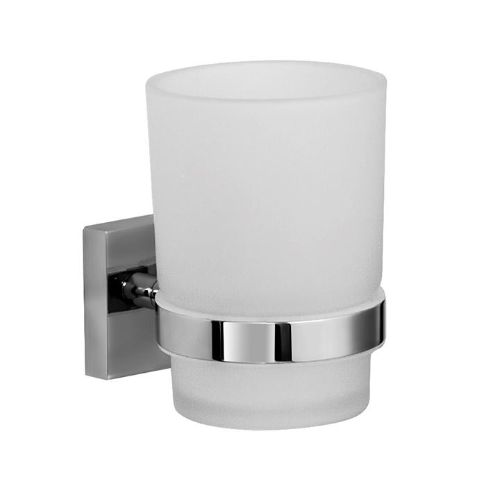 Edifice EDIMBG1i45 ХромАксессуары для ванной<br>Стакан для зубных щеток Iddis Edifice EDIMBG1i45 одинарный в ванную комнату.<br>Стакан выполнен в современном стиле (Hi-Tech) из высококачественной латуни, что гарантирует долгий срок эксплуатации. Стойкое никель-хромовое покрытие защищает изделие от коррозии. <br><br>Размеры: 6.9 х 9.6 х 8.8 мм.<br>Использованы материалы: латунь/стекло.<br>Цвет: хром/матовый хром.<br>В комплекте : крепеж.<br> <br>